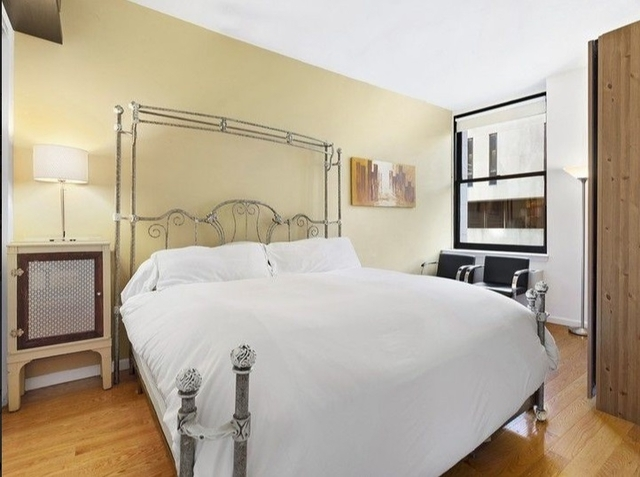 3 Bedrooms, Financial District Rental in NYC for $5,438 - Photo 2