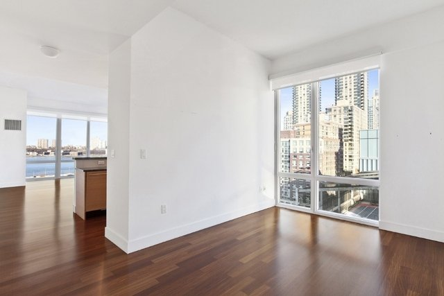 2 Bedrooms, Lincoln Square Rental in NYC for $5,995 - Photo 2