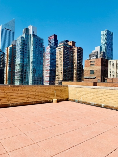 3 Bedrooms, Turtle Bay Rental in NYC for $3,650 - Photo 2