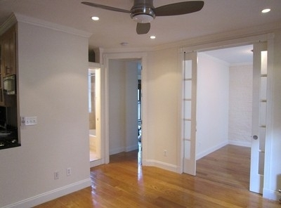 Room, Hell's Kitchen Rental in NYC for $1,375 - Photo 2