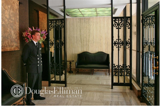 3 Bedrooms, Upper East Side Rental in NYC for $21,500 - Photo 2