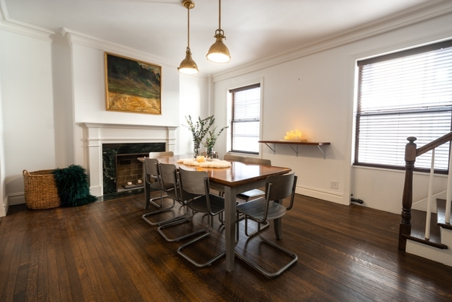 2 Bedrooms Theater District Rental In Nyc For 8 000 Photo 1