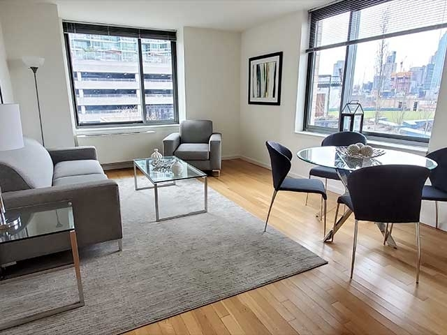 2 Bedrooms, Hunters Point Rental in NYC for $4,660 - Photo 1
