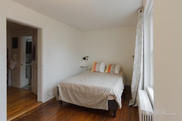 2 Bedrooms, Brooklyn Heights Rental in NYC for $3,200 - Photo 2