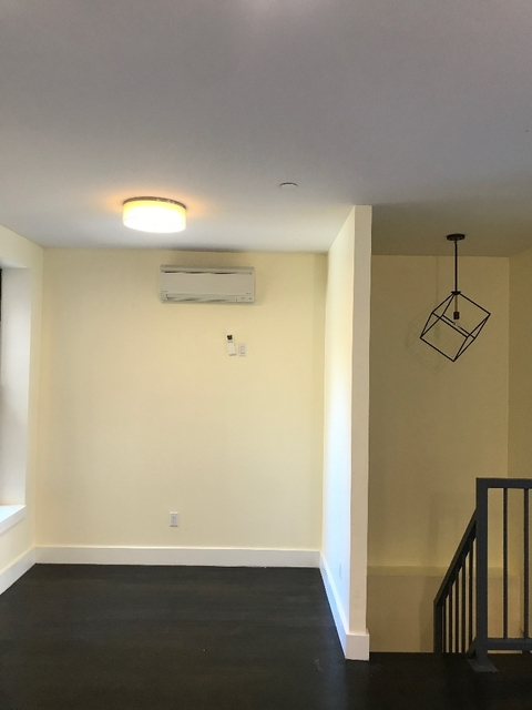 2 Bedrooms, Crown Heights Rental in NYC for $3,100 - Photo 2