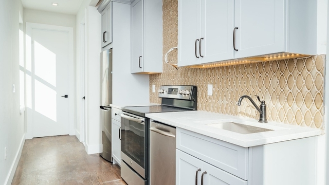 1 Bedroom, Greenpoint Rental in NYC for $2,925 - Photo 2