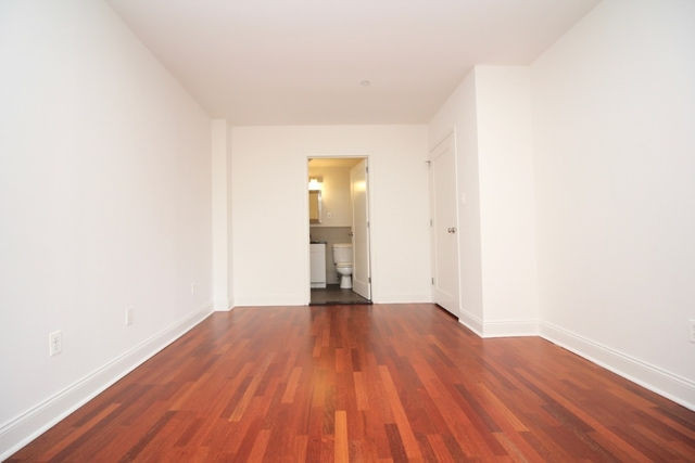 2 Bedrooms, Williamsburg Rental in NYC for $2,885 - Photo 2