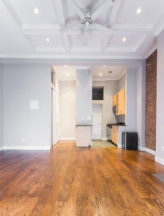 1 Bedroom, Upper East Side Rental in NYC for $3,965 - Photo 2