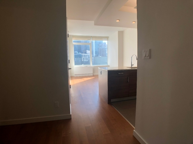 1 Bedroom, Long Island City Rental in NYC for $2,888 - Photo 1
