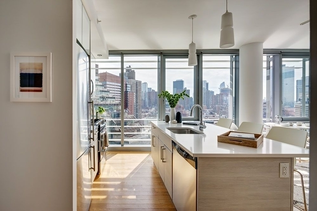 2 Bedrooms, Hell's Kitchen Rental in NYC for $5,595 - Photo 1
