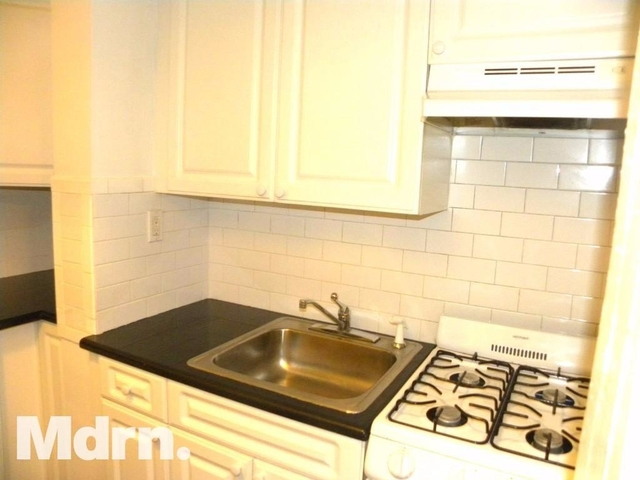 Studio, Lenox Hill Rental in NYC for $2,100 - Photo 2