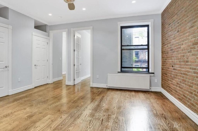 3 Bedrooms, Hell's Kitchen Rental in NYC for $5,075 - Photo 2