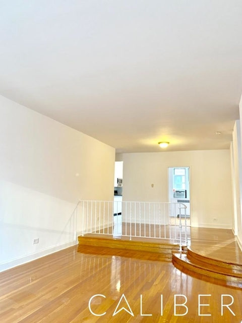 3 Bedrooms, Hell's Kitchen Rental in NYC for $5,795 - Photo 2