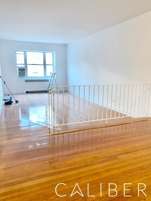 3 Bedrooms, Hell's Kitchen Rental in NYC for $5,795 - Photo 1