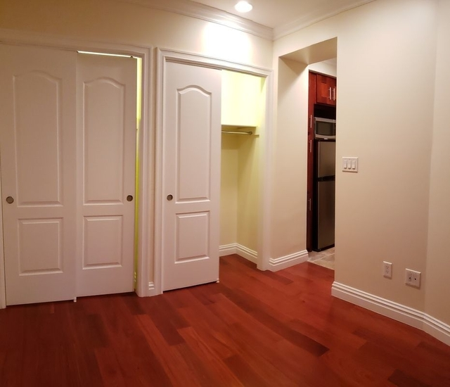2 Bedrooms, Upper East Side Rental in NYC for $2,300 - Photo 1