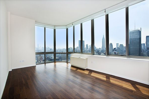 4 Bedrooms, Hell's Kitchen Rental in NYC for $5,900 - Photo 2