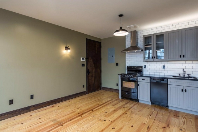 3 Bedrooms, Greenpoint Rental in NYC for $4,300 - Photo 2