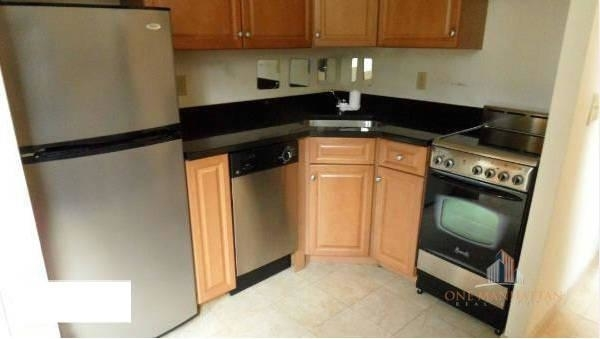 Studio, Lincoln Square Rental in NYC for $2,200 - Photo 2
