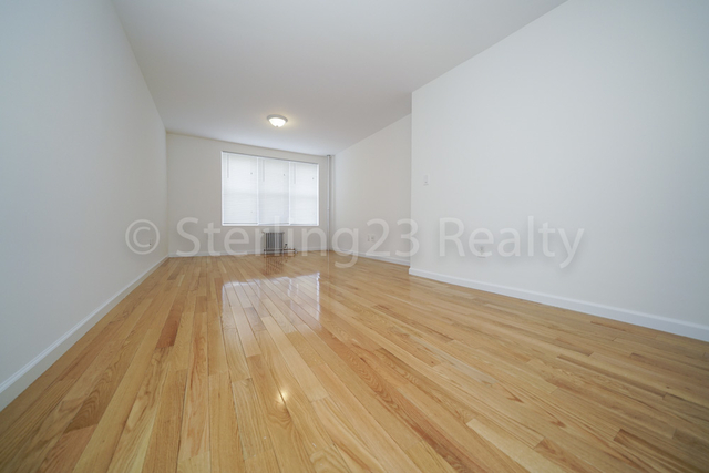2 Bedrooms, Woodside Rental in NYC for $2,150 - Photo 2