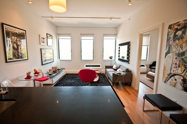 1 Bedroom, Hell's Kitchen Rental in NYC for $3,065 - Photo 2