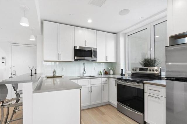 1 Bedroom, Astoria Rental in NYC for $2,930 - Photo 2