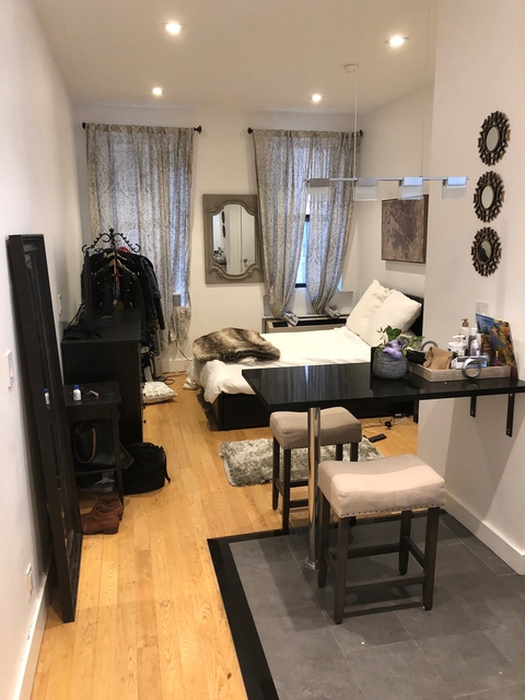 Studio, Rose Hill Rental in NYC for $2,345 - Photo 2