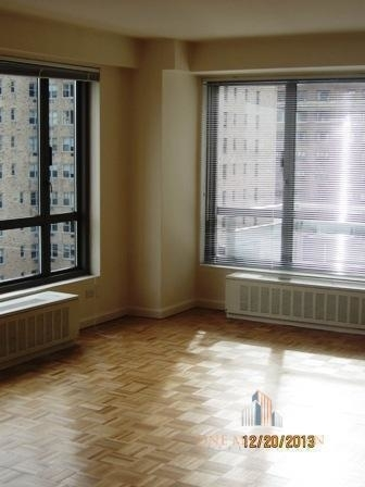 3 Bedrooms, Yorkville Rental in NYC for $7,000 - Photo 2