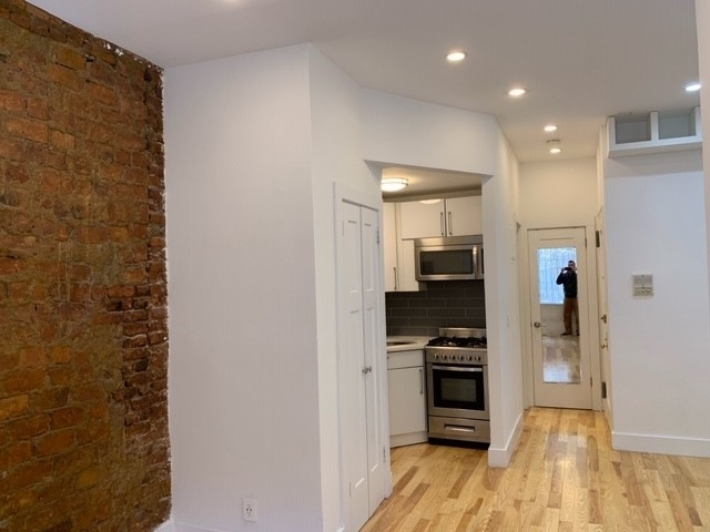 Studio, Alphabet City Rental in NYC for $3,000 - Photo 1