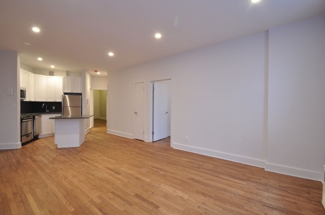 3 Bedrooms, Yorkville Rental in NYC for $4,358 - Photo 2