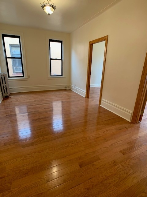 2 Bedrooms, Astoria Rental in NYC for $2,000 - Photo 2