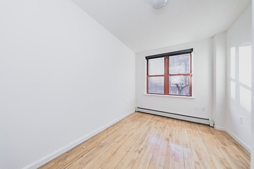 3 Bedrooms, Alphabet City Rental in NYC for $4,580 - Photo 2