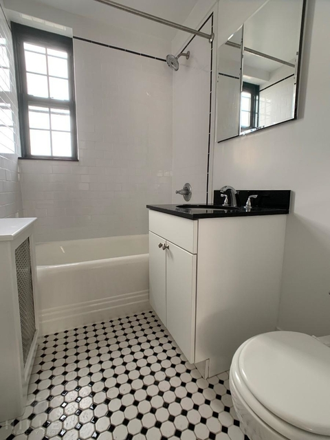 1 Bedroom, Woodside Rental in NYC for $1,925 - Photo 2