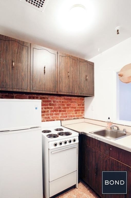 2 Bedrooms, Hell's Kitchen Rental in NYC for $4,057 - Photo 2