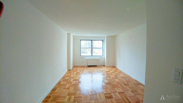 3 Bedrooms, Upper East Side Rental in NYC for $5,295 - Photo 2