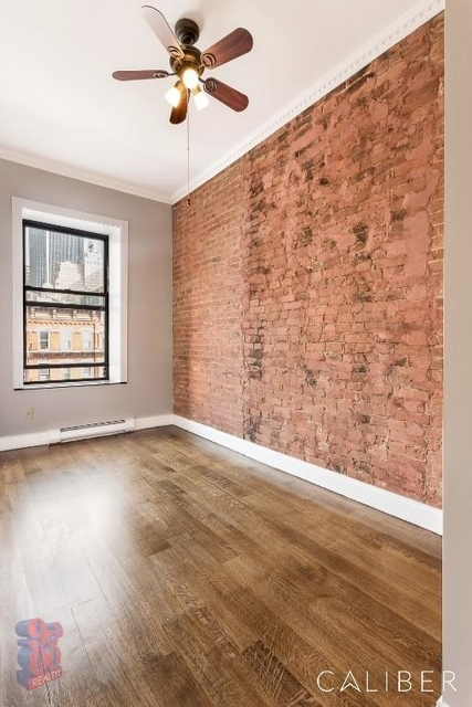 4 Bedrooms, Hell's Kitchen Rental in NYC for $5,719 - Photo 2