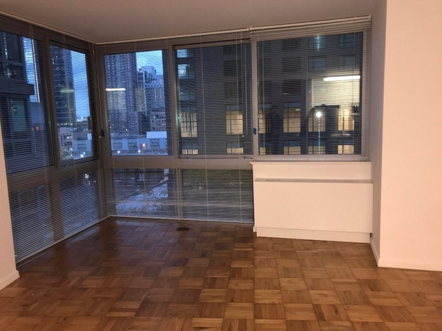 Studio, Hell's Kitchen Rental in NYC for $3,128 - Photo 1