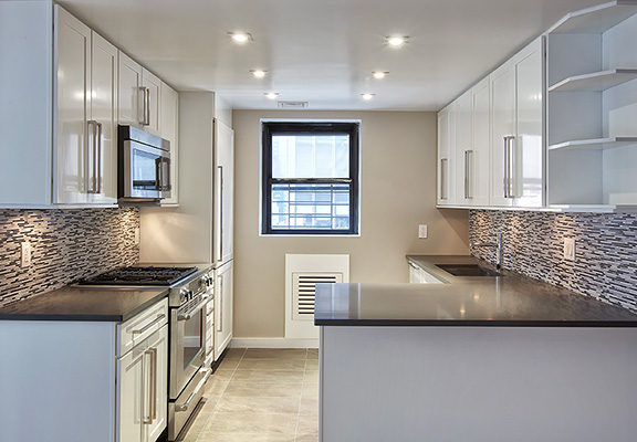 3 Bedrooms, Turtle Bay Rental in NYC for $5,675 - Photo 2