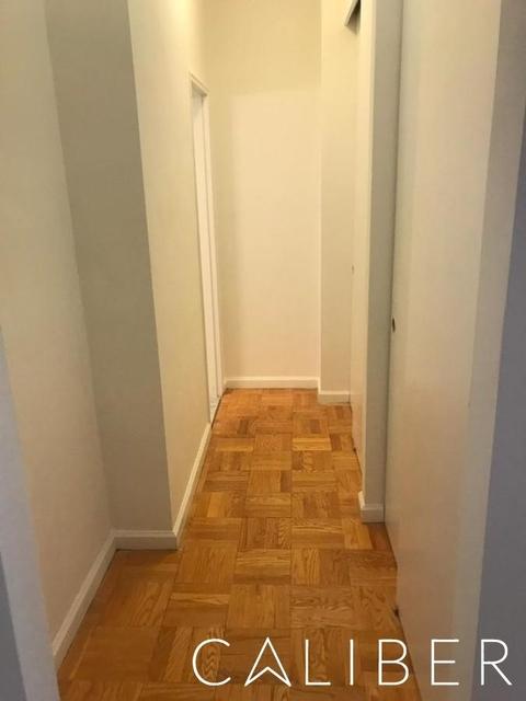 Studio, Yorkville Rental in NYC for $2,600 - Photo 2