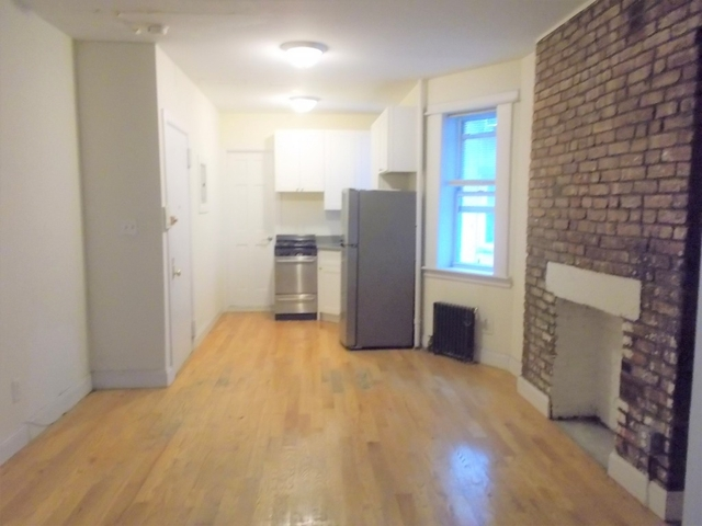 1 Bedroom, Two Bridges Rental in NYC for $2,300 - Photo 2