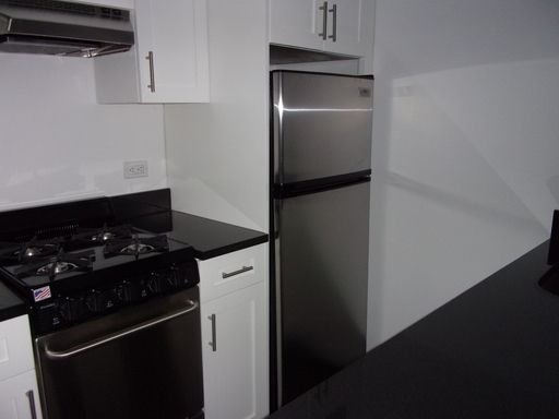 2 Bedrooms, Murray Hill Rental in NYC for $3,300 - Photo 2