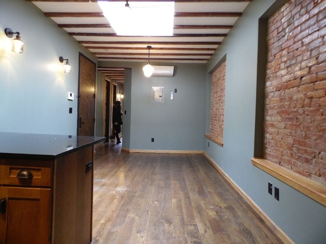4 Bedrooms, East Williamsburg Rental in NYC for $4,499 - Photo 2