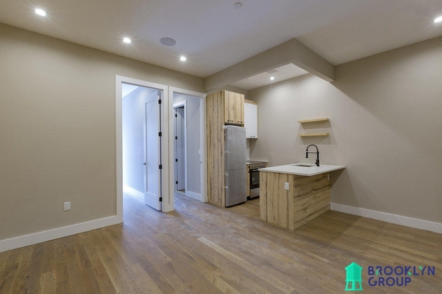3 Bedrooms, Crown Heights Rental in NYC for $3,900 - Photo 2