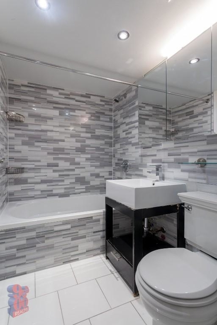1 Bedroom, Rose Hill Rental in NYC for $3,227 - Photo 2