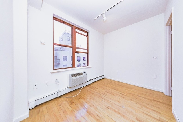 2 Bedrooms, Alphabet City Rental in NYC for $3,969 - Photo 2