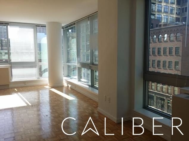2 Bedrooms, Hell's Kitchen Rental in NYC for $3,390 - Photo 1