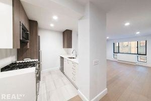 3 Bedrooms, Hell's Kitchen Rental in NYC for $4,812 - Photo 1