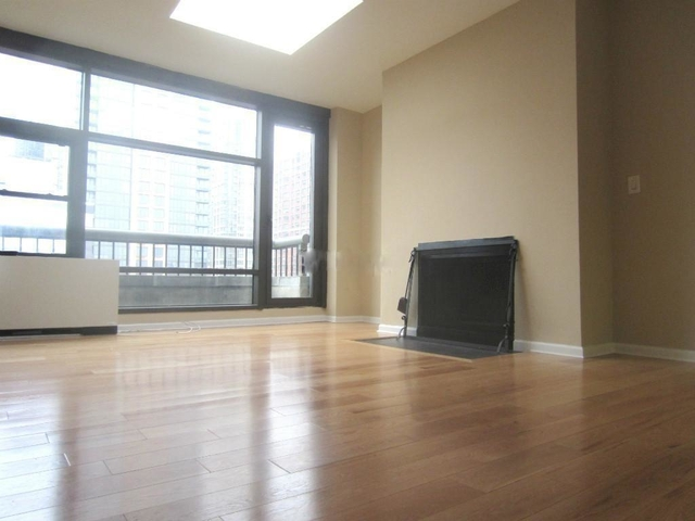 3 Bedrooms, Chelsea Rental in NYC for $7,019 - Photo 1