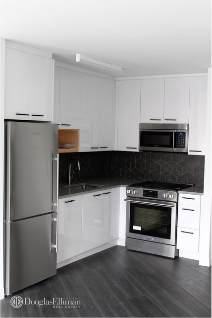 1 Bedroom, Alphabet City Rental in NYC for $4,450 - Photo 1