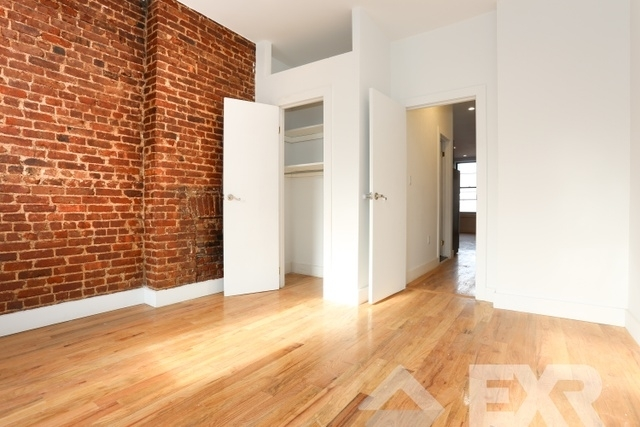 2 Bedrooms, Williamsburg Rental in NYC for $2,429 - Photo 2