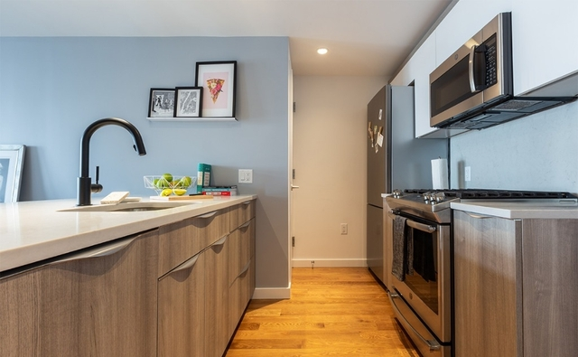 1 Bedroom, Greenpoint Rental in NYC for $3,215 - Photo 2